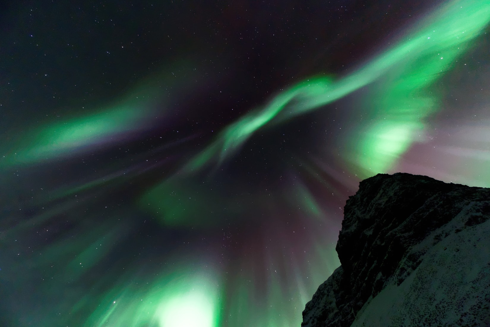 The Northen lights car rental  In Iceland